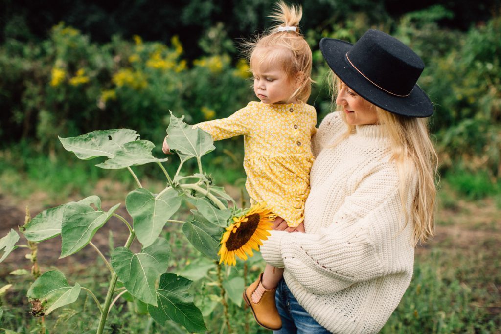 Sunflowers-Family session-Double You-Photography-Kat Wegrzyniak